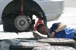 Zdjęcie mechanik samochowy