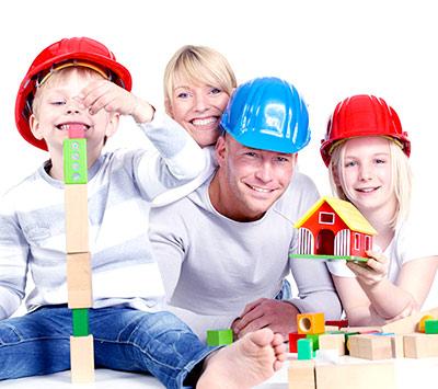 Zabawa klockami - dzieci i rodzice